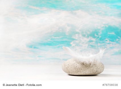 Wnsche und Trume: Glckwunschkarte oder Konzept mit Stein