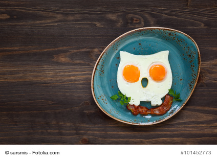 owl-shaped fried eggs